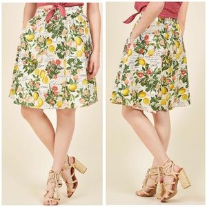 Modcloth Presh Squeezed Skirt in 1X